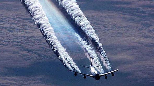 avion et chemtrail